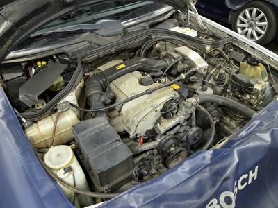 W124冷却水漏れ