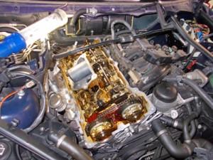 BMWエンジンバルブカバー