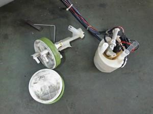ベンツ燃料ポンプ