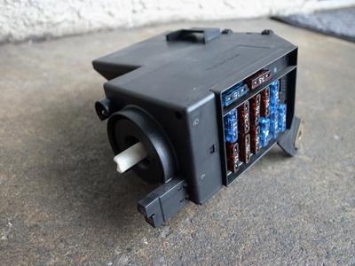 ライトコントロールユニット