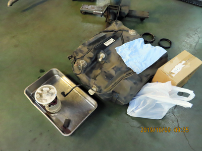 V50燃料タンクとポンプ