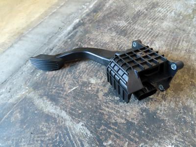 FIAT500アクセルペダル